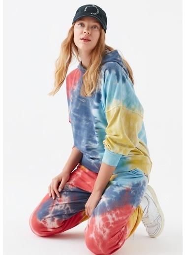 Mavi Batik Desenli Sweatshirt Renkli